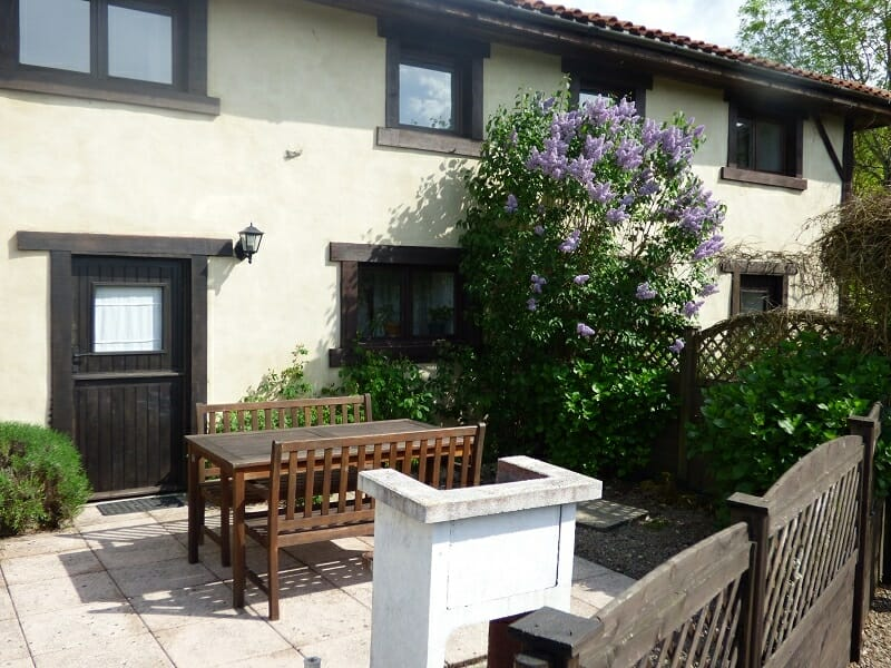 Chambre Double Baudelaire: Self catering holiday cottages prices ...